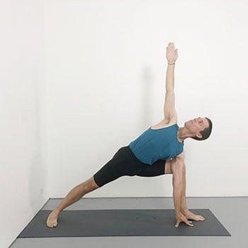 parsvakonasana iyengar yoga pose