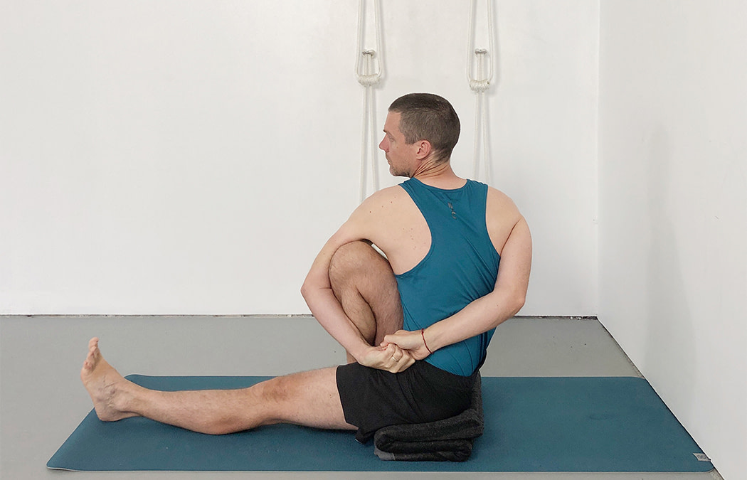 Marichyasana 3 (Seated Twist)